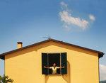 Najlepsza wizytówka domu – Jak samodzielnie pomalować elewację?